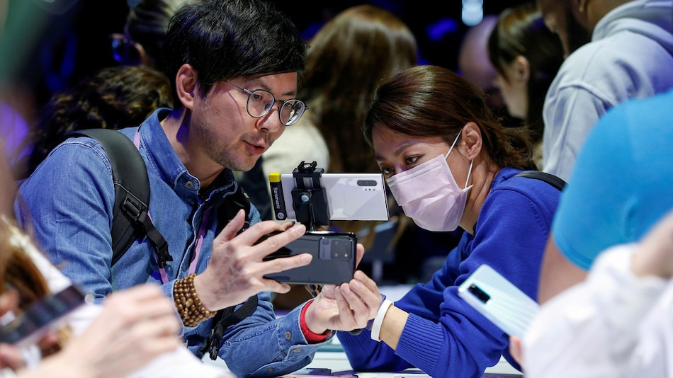 Coronavirus: Samsung Offers Phone Delivery Service for Test Use to Ride Out Virus Impact