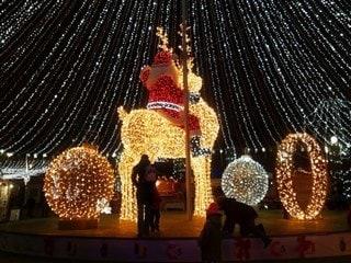 Holiday Season: It Takes a Tech Village to Track Santa on Christmas Eve