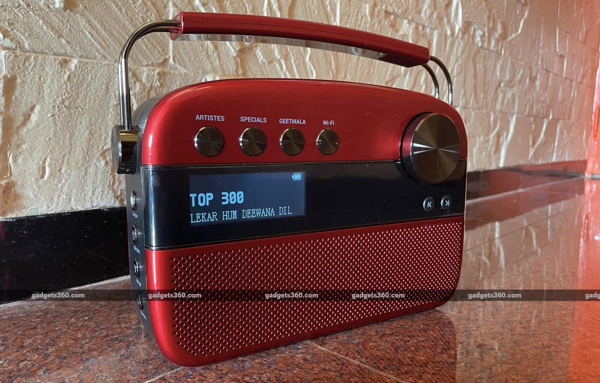 saregama carvaan karaoke review display Saregama  Saregama Carvaan Karaoke