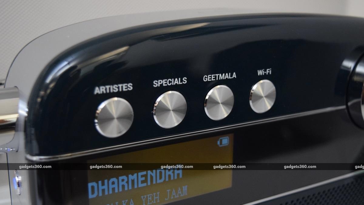 saregama vs amazon saregama controls Saregama Carvaan 2.0  Amazon Echo Show 5