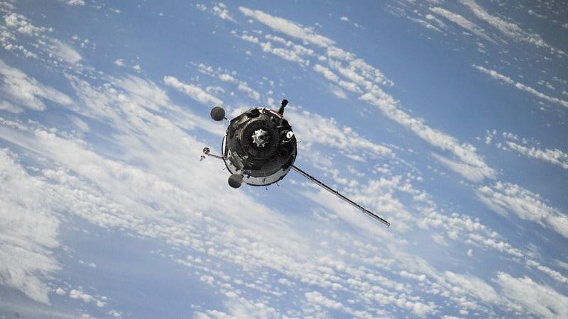 China Designs Spacecraft to Extend Lifespan of Satellites