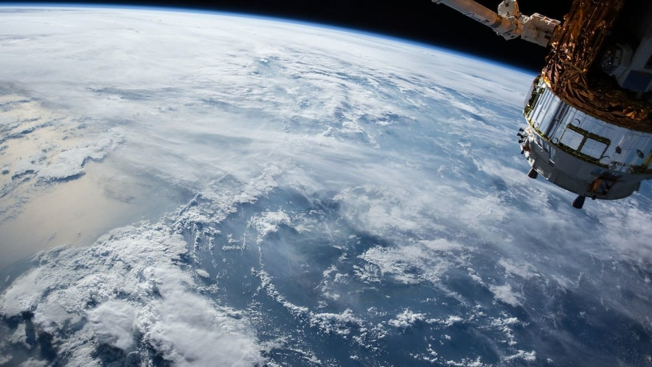 US Air Force Invites Hackers to Break-in to Its Satellite in Orbit
