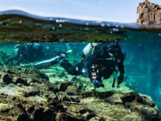 iPhone Lost at Sea Found by Scuba Diver When It Received a Text Message