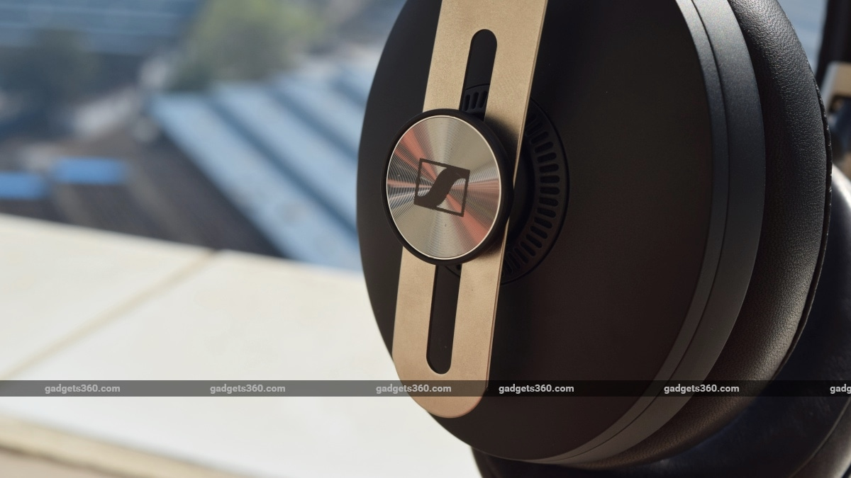 sennheiser momentum wireless 2019 review logo Sennheiser
