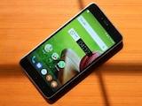 'सचिन तेंदुलकर' स्मार्ट्रोन एसआरटी. फोन का रिव्यू