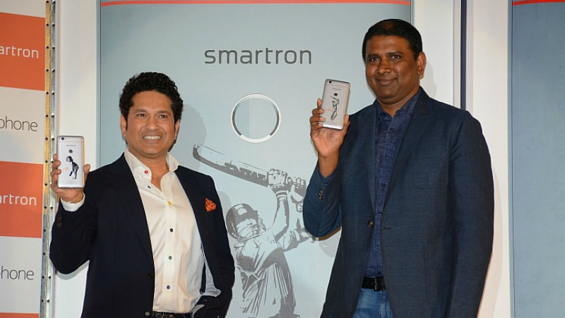 smartron srt phone tendulkar lingareddy Sachin Tendulkar srt.phone Smartron