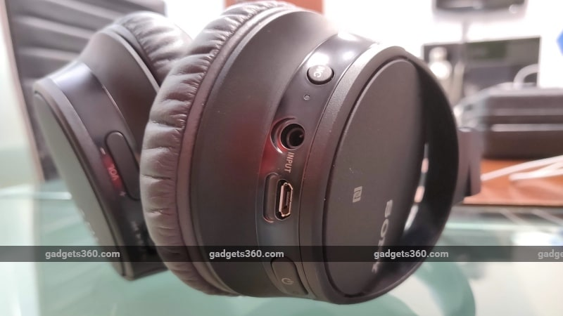 sony whch700n review controls Sony  Headphones
