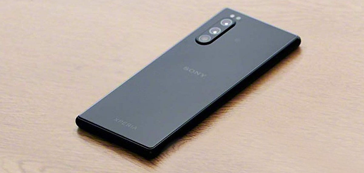 Sony Xperia 2 Leaks in Press Renders, Live Images Ahead of