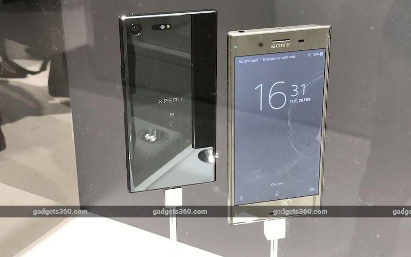 Sony Xperia XZ Premium, Xperia XZs First Look