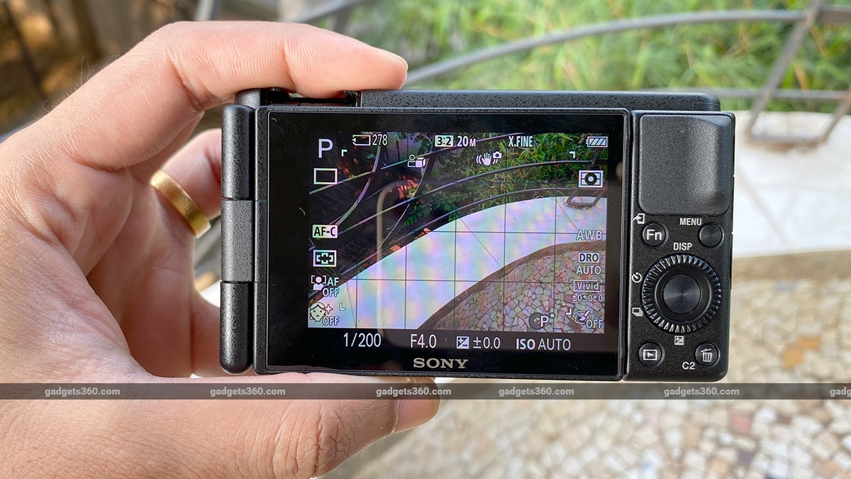sony zv 1 review rear ss