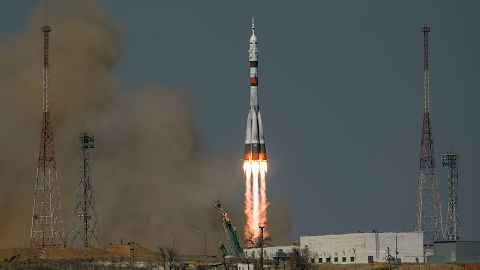 Soyuz Rocket Honours Yuri Gagarin's First Space Travel, Successfully Carries Three-Man Crew to ISS