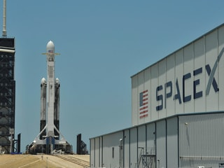 Elon Musk Plans IPO for SpaceX's Starlink Business