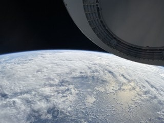 SpaceX Commander Shares Stunning Images of Earth Shot on an iPhone