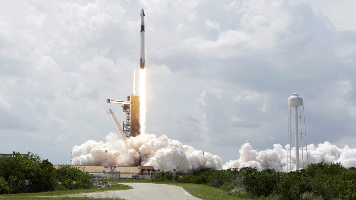 ISRO Congratulates NASA and SpaceX for Their 'Historic' Manned Mission