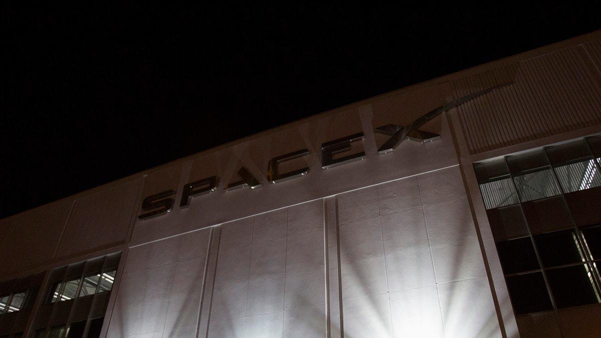 SpaceX Postpones Its Launch of 60 Internet Satellites