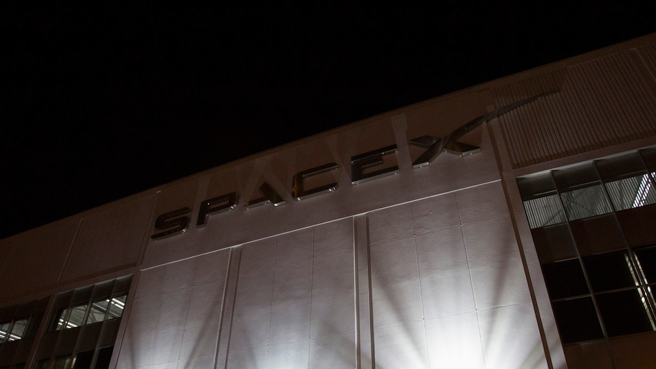 SpaceX Crew Dragon Launch Delayed by 24 Hours Due to Bad Weather