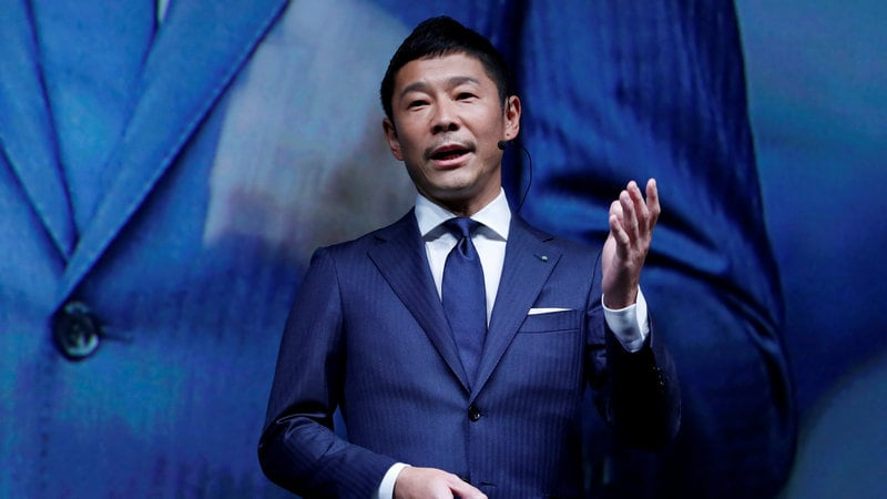 How a Japanese Billionaire Took Over the Top Spot on Twitter