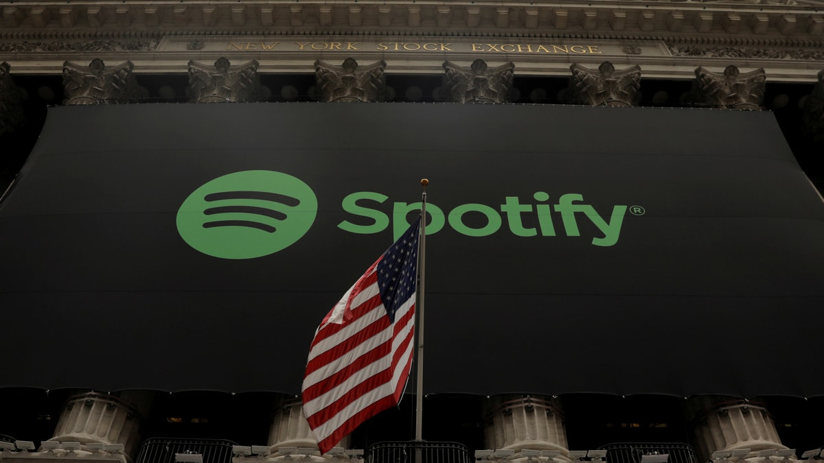 Spotify paying tax on less than 1% of paid subscribers, alleges Apple