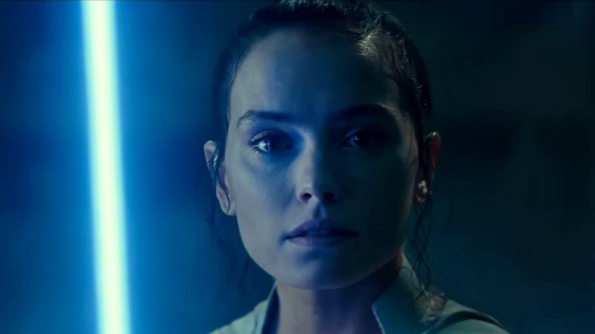Star Wars: The Rise of Skywalker Final Trailer is Both Dark and Inspiring