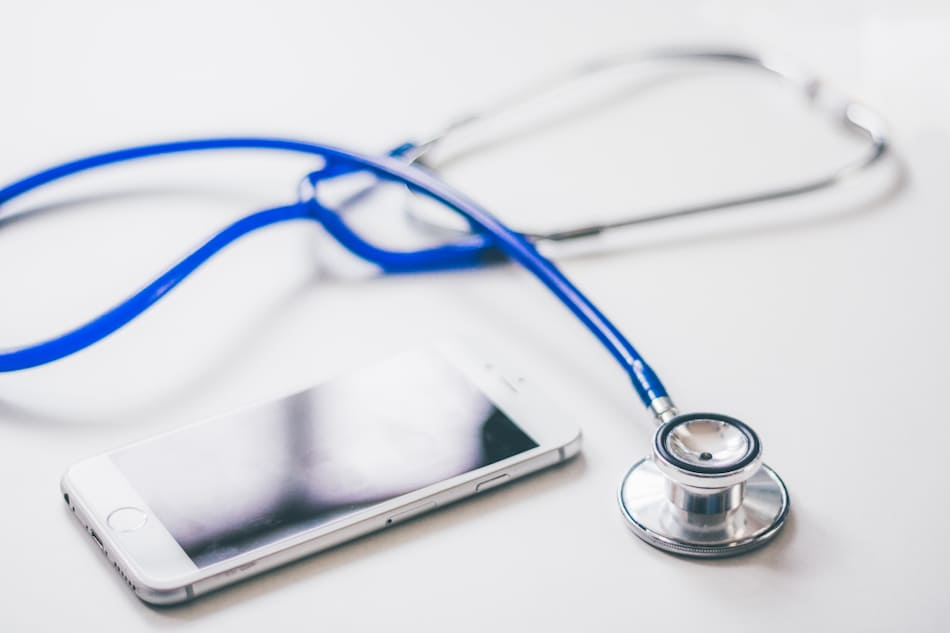 IIT Bombay Researchers Develop 'Smart Stethoscope' That Can Hear Heartbeats From a Distance