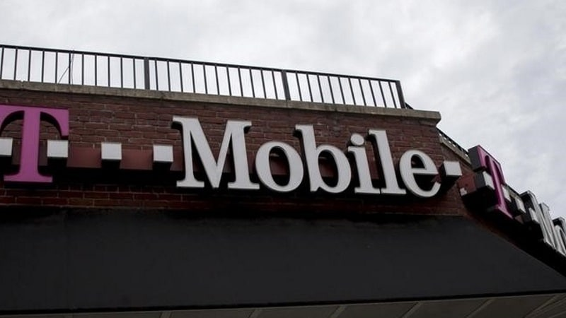 T-Mobile Tackles Customer-Service Woes by Adding a Human Touch
