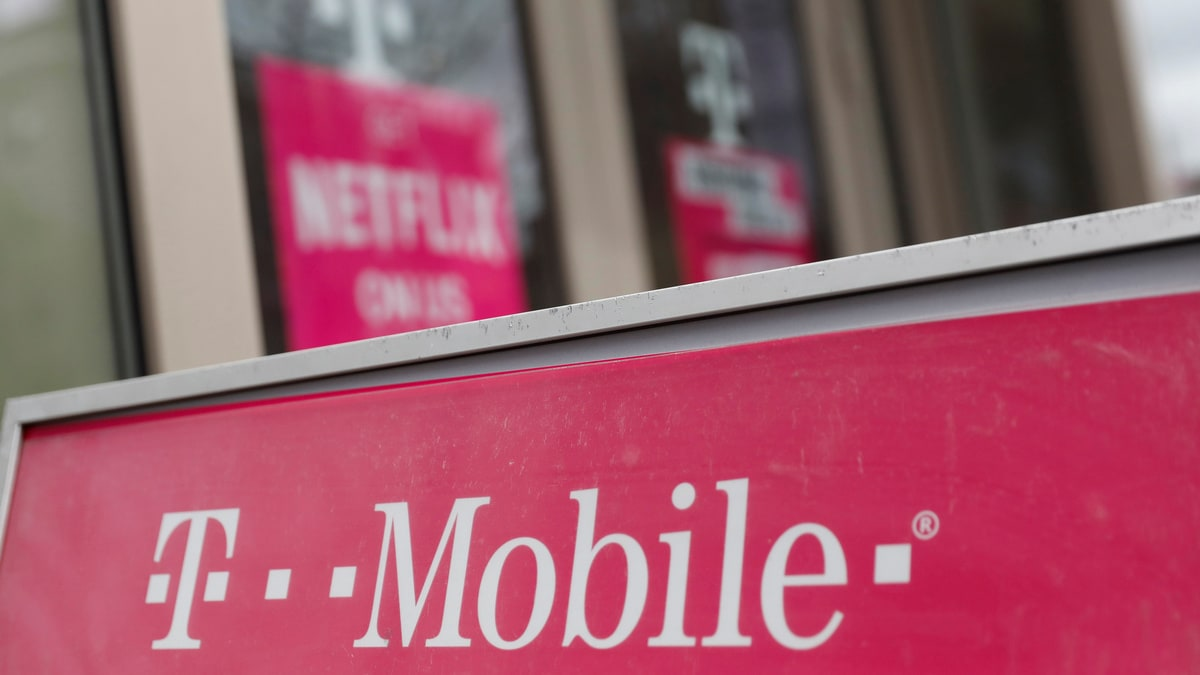 T-Mobile Closes Merger With Sprint, John Legere Hands Off CEO Role to Mike Sievert