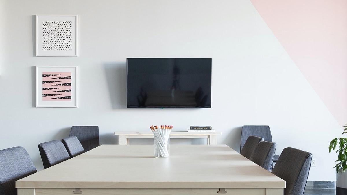 television wallmount2 guide pixabay Wall mount