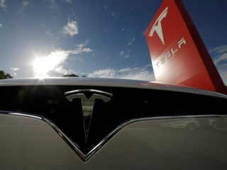 Tesla Flags Promise of Profit as Model 3 Production Steadies