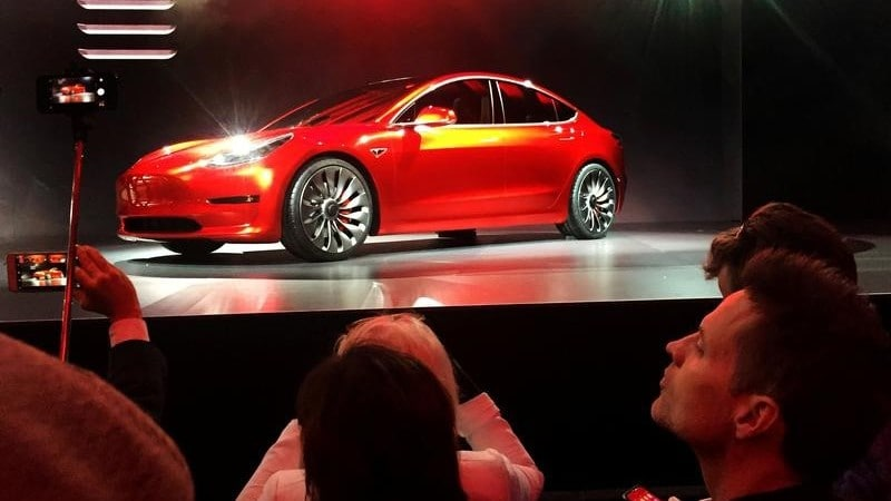 Tesla Says European Model 3 Deliveries From February