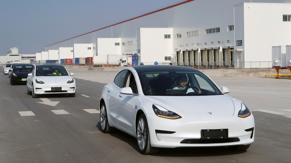 Tesla Announces Price Cut for China-Made Model 3 Before Delivery