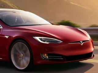 Tesla Sees Model 3 Production Rate Improving by Q2 2018