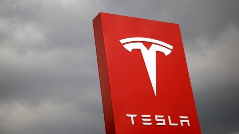 Tesla's Key Statistic in Autopilot Defence Comes Under Scrutiny