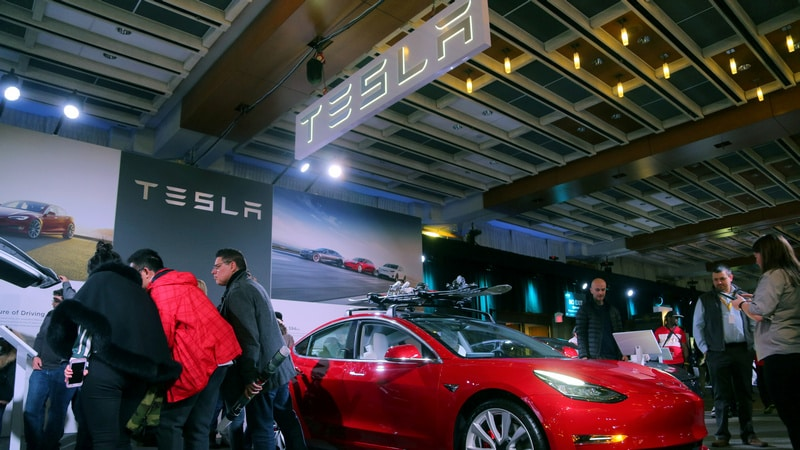 Tesla Investors Lose Faith After First-Quarter Deliveries Disappoint