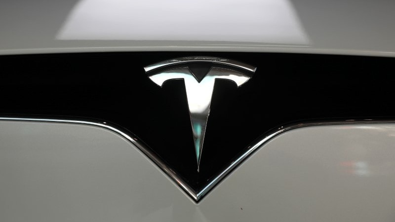 Tesla Cars to Soon Get a 'Sentry Mode', Elon Musk Says