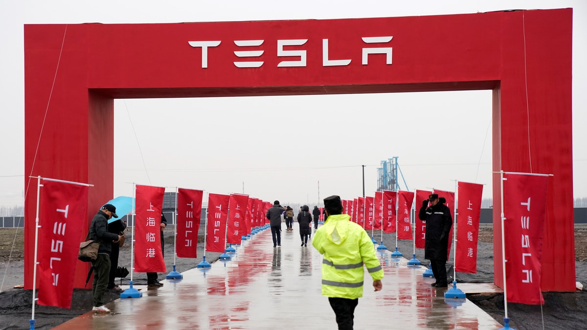 Tesla Says Single Battery Module Caused Car Fire in Shanghai, Has Changed Vehicle Settings