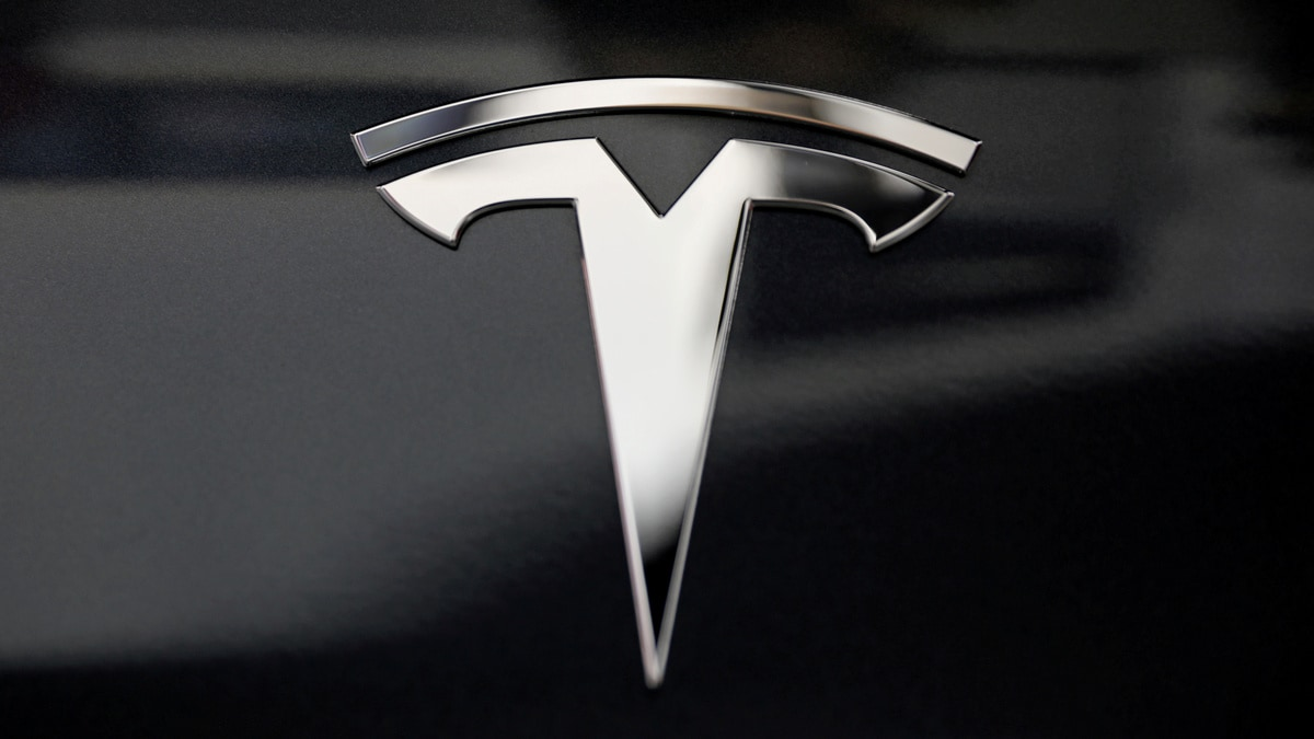 Tesla Said to Lobby India for Sharply Lower Import Taxes on EVs