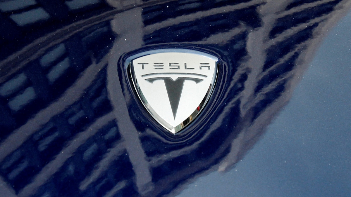 Tesla drops Model X and S variants and cuts prices
