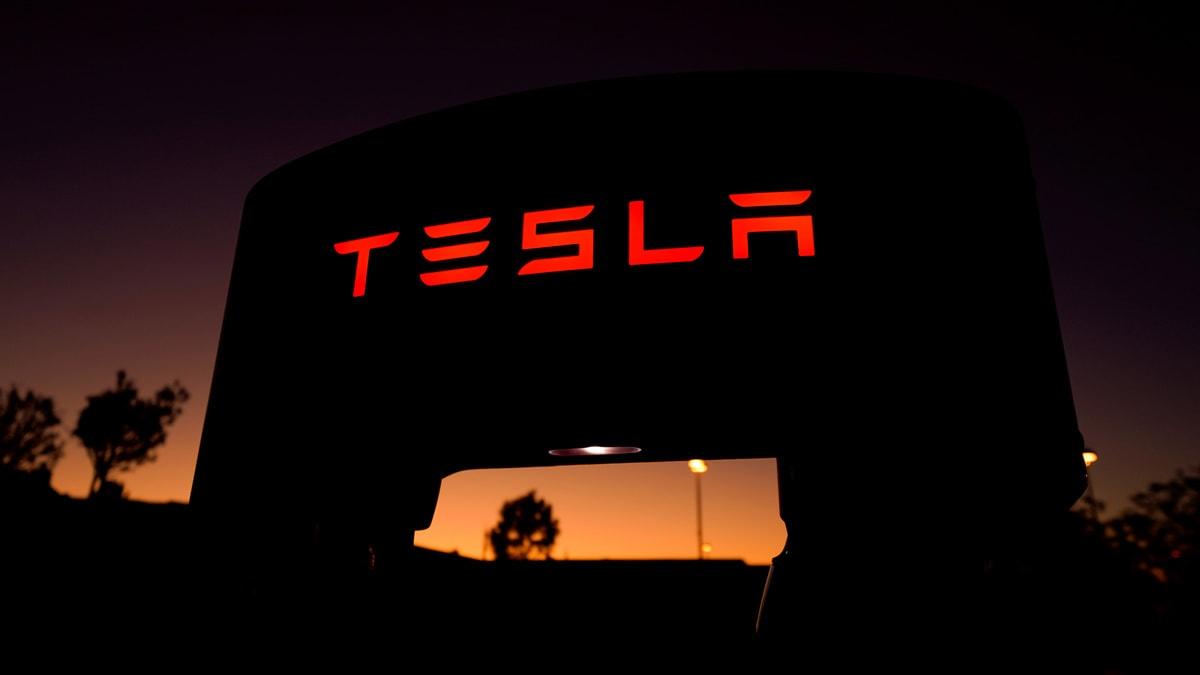 Tesla Posts Surprise Profit That Answers Sceptics