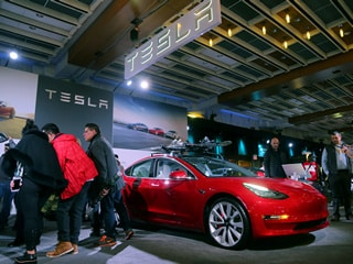 Tesla In-Car Browser to Be Upgraded to Chromium: Elon Musk