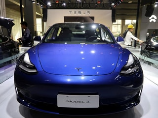 Tesla Says Will Start Delivering China-Made Model 3s to Public Next Week
