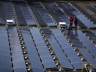 Tesla Said to Close a Dozen Solar Factories in the US