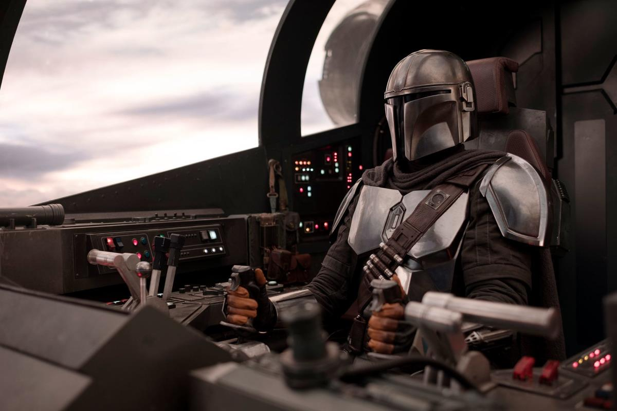 the mandalorian pedro pascal Star Wars The Mandalorian