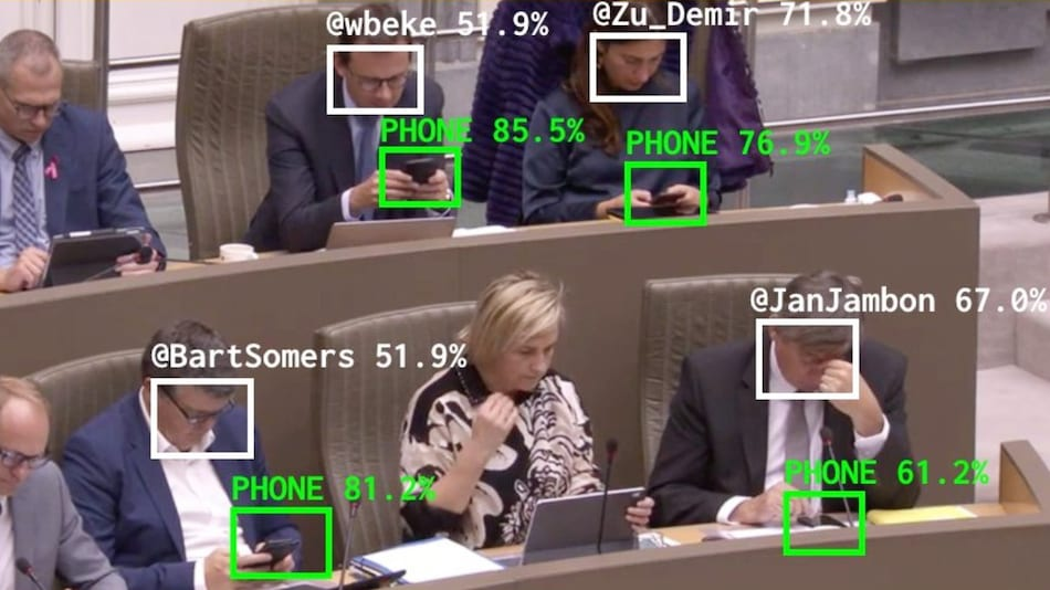 AI-Based Bot Detects Politicians Distracted by Phone, Posts Photo on Twitter and Asks Them to Focus