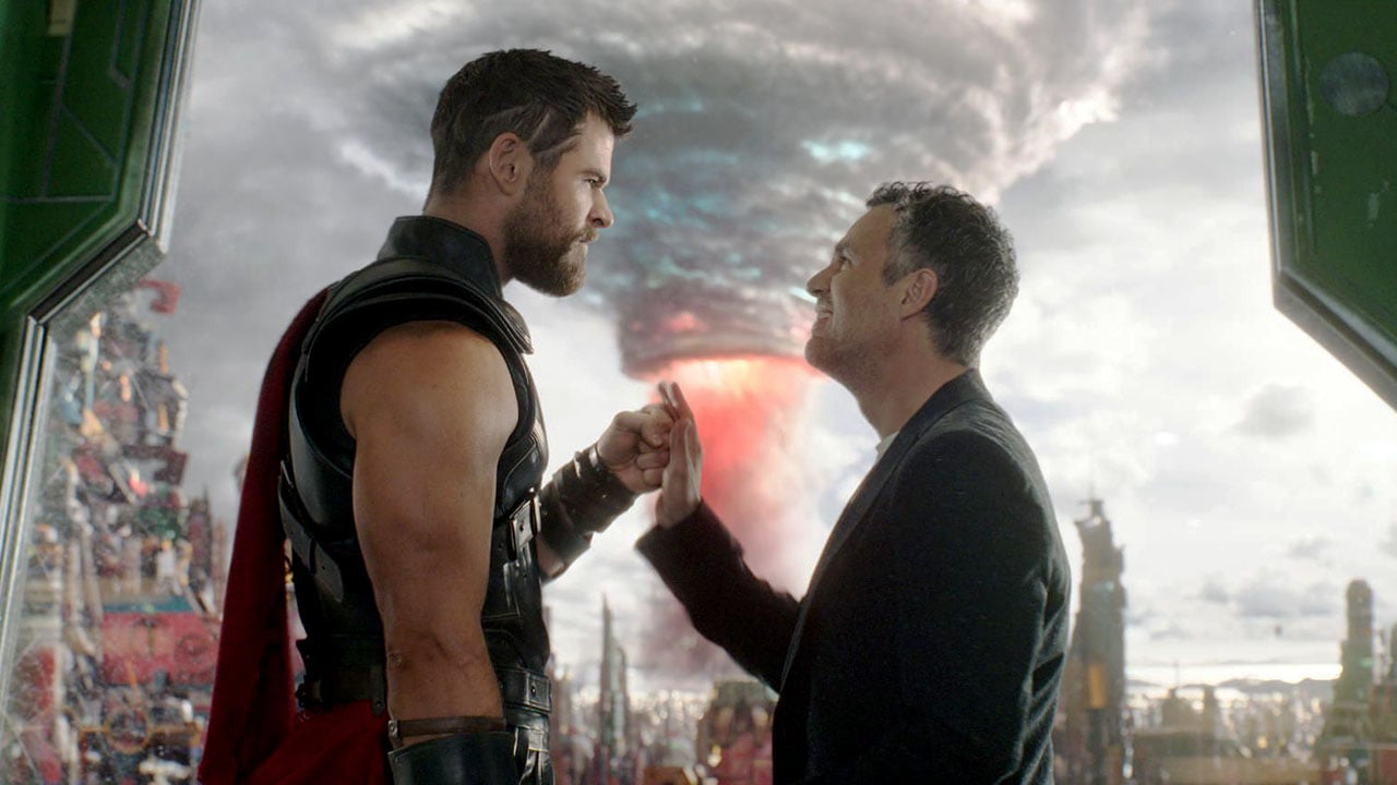 Thor: Ragnarok Is a Joyous Romp That Makes Thor Fun