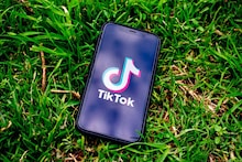 Walmart Plans to Buy TikTok Operations In The US