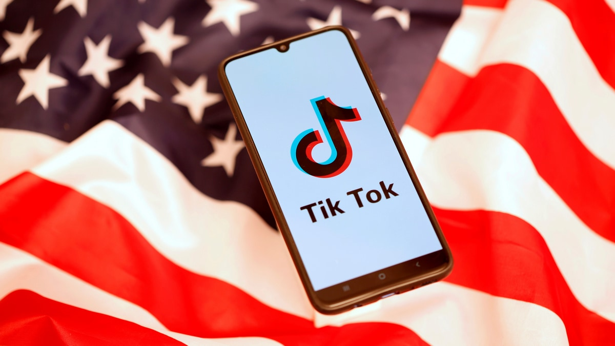 TikTok Chief Said to Schedule Meet With US Lawmakers as China-Origin Investigations Loom