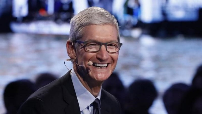 Apple boss's pay rises to $12.8m