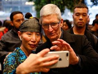 Apple CEO Calls $1 Trillion Value a 'Milestone' but Not a Focus