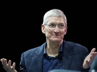 Apple CEO Tim Cook, Trump Said to Tour Plant in Texas on Wednesday