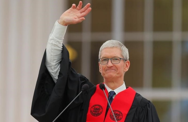 Tim Cook May Have Taken a Subtle Dig at Facebook in His MIT Commencement Speech